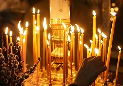 russian-orthodox-candles-burning